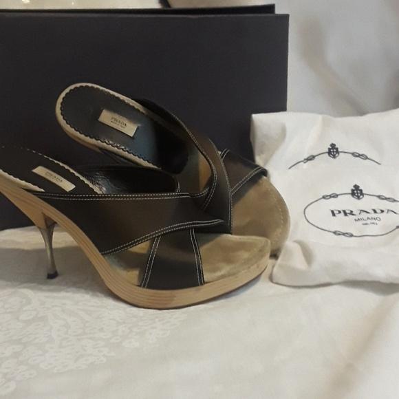 736cef1dfaa66 Prada Shoes - Gorgeous Prada Wooden Heels Shoes 40 9.5 10
